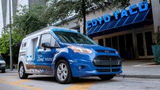 """Na Floridě doručí zboží Ford """"bez řidiče"""""""