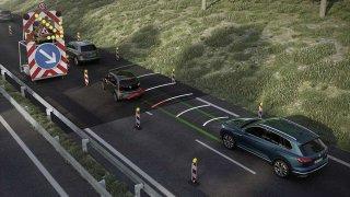 Asistent pro jízdu v dopravní koloně zvyšuje komfort řízení