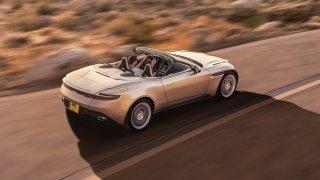 Nádherný roadster Aston Martin DB11 Volante. 4