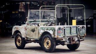 """Land Rover v rámci 70. výročí zrestauruje """"chybějící"""" originál s pohonem všech kol"""