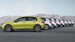 Osm generací za 45 let, od jednoduchého auta k hybridu. Jak šel čas s Volkswagenem Golf