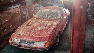 Ferrari Daytona odpočívalo v garáži skoro 40 let.