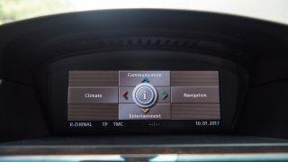 BMW 530i E60 interiér 2