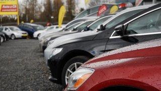 Nová Dacia Sandero za 300 tisíc, ojetá za 370. Ceny bazarových aut rostou do extrémů