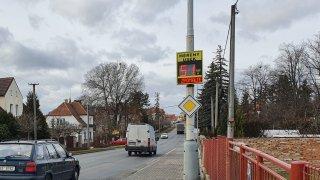 Česko je zamořené radary. Podívejte se, které slouží represi a které fungují preventivně
