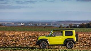 Suzuki Jimny: První jízda s kapesním offroadem