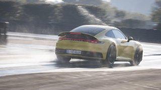 Porsche 911 Carrera 4S Wet Mode 3