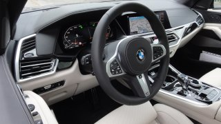 BMW X5 xDrive M50d interier  4