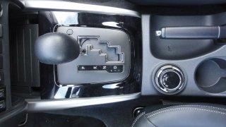 Mitsubishi L200 interiér 3