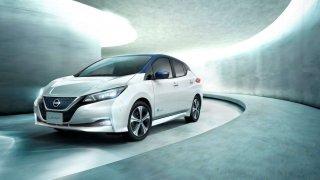 Nová baterie s vyšší kapacitou, dojezd až 378 km na jedno nabití a moderní technologie. Nissan LEAF představil své ceny na českém trhu.