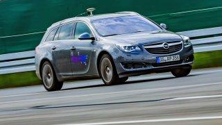 Opel na cestě ke kooperativní automatizované jízdě