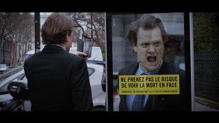 Chytrá kampaň děsí chodce, kteří přecházejí na červenou