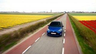 Evropské analýzy ukazují na nový směr u firemních flotil aut. Až šest z deseti velkých firem uvažuje o konci dieselů.