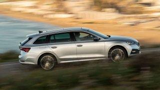 Škoda Octavia boduje u Britů - získala titul Nové auto roku 2020 časopisu Auto Express. A nejen to
