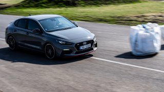 Nový Hyundai i30 Fastback N v akci na autodromu v