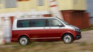 Volkswagen omladil svůj čtyřjediný užitkový vůz. T 6.1 má zcela nové řízení a moderní řidičovu zónu