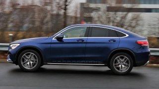 Test Mercedesu GLC 300 4MATIC kupé: geniální přístrojovka, super design, ale zklamání z jízdy
