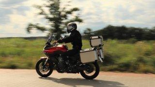 Jaké příslušenství by nemělo chybět na cestovních motorkách? Poradíme