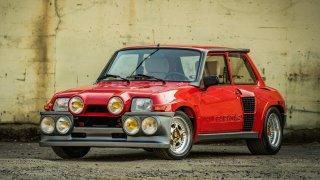Malý, ale šílený. Dokonale zběsilý Renault 5 Turbo
