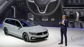 Volkswagen Passat Variant R-Line Edition 1