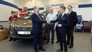 Hyundai daroval studentům automobil pro studijní účely