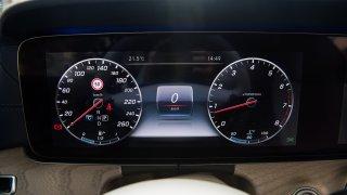 Mercedes-Benz E300 Coupe interiér 1