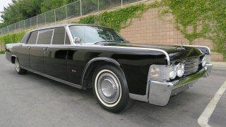 Tímhle Lincolnem Continental jezdil Steve McQueen