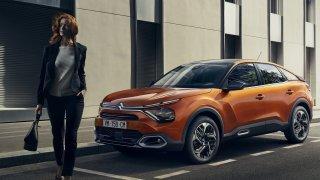Srovnání dne: Nový Citroën C4 proti Škodě Scala a novému VW Golf