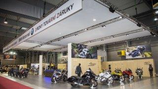 BMW představuje novinky na Motosalonu
