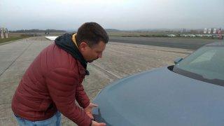 Elektroauta mohou nabídnout víc prostoru pro zavazadla. Sportovní Audi GT quattro má kufr i vepředu
