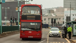 Policejní kontrola může číhat i v autobuse 4