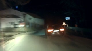 Policejní auto vyblikal dálkovými, a pak ujížděl. Zfetovaný cizinec byl pro policii známá firma
