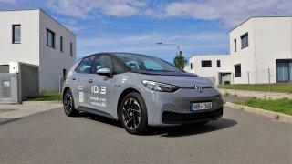 Víme, jak jezdí nový elektromobil VW ID.3. Na silnici je mnohem zábavnější než Golf GTI