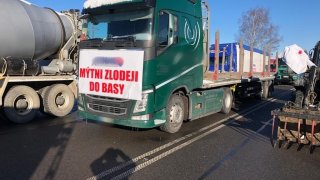 Stávkující kamiony