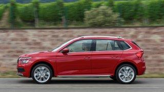 Škoda Kamiq vyniká mezi malými SUV prostorem. Na nohy jsme naměřili stejně místa jako v Octavii