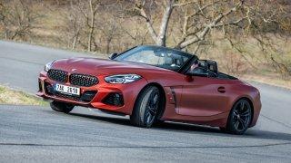 BMW Z4 M40i umí být autem pro závodníka i slečinku. Stačí stisknout pokaždé jiné tlačítko