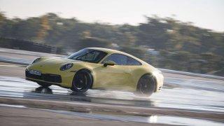 Porsche Wet Mode. Jízdní stabilita i za deště.