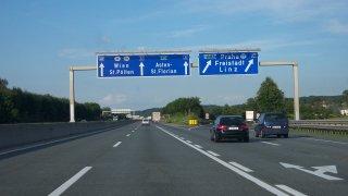 Rakousko téměř dokončilo dálnici z Vídně na Brno. U nás je ticho