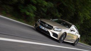 Mercedes-Benz E300 Coupe jízda 1