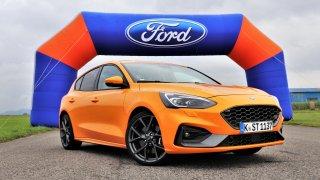 Motor z Fordu Mustang a vylepšené jízdní vlastnosti. Testovali jsme zbrusu nový Ford Focus ST