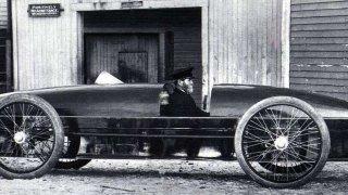 Ano, je to pravda! Jako první překonal rychlost 200km/h parní automobil! A bylo to před 112lety...