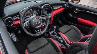 MINI JCW Cabrio - interiér 1