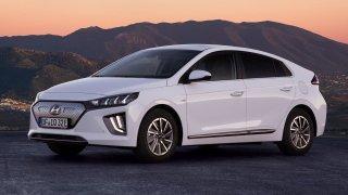 ADAC test spotřeby a dojezdu elektromobilů nastavuje nemilosrdné zrcadlo tabulkovým údajům