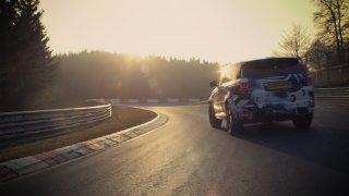 Range Rover Sport SVR se klopených zatáček nebojí!