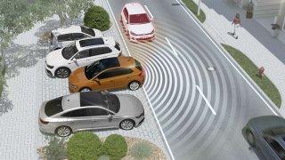 Asistent vyparkování a sledování mrtvého úhlu dokáže zabránit nehodám