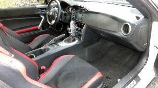 Toyota GT86 interiér 3