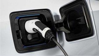 Názor: Tenhle krok se dá čekat i u nás. Němci uvažují o dramatickém zdanění benzinu a nafty