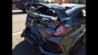 Tomu se říká smůla! Zbrusu nový Civic Type-R nedojel ani do garáže