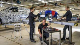 Nejmenší Rolls-Royce dorazil na roční prohlídku