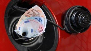 Evropská unie chce spotřebu automobilů hlídat online